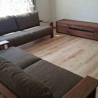 ウォールナットのソファのテレビボード