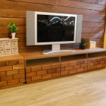 レンガ仕立てのテレビボード