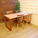 木目を楽しむ〝M-Table〟