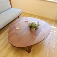 卵の形の折りたたみテーブル