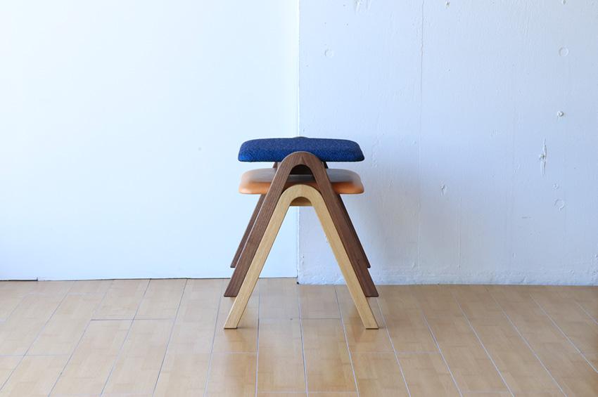A stool 横から見るとAの形