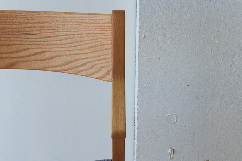 体を支えるハーフアームは高いフィンガージョイントの技術により実現しました。