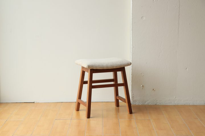 WALNUT_STOOL_1