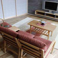 木の曲線が美しい家具を活かして和モダンテイストにコーディネイト